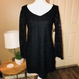 BLACK LACE DRESS W/ LONG SLEEVES